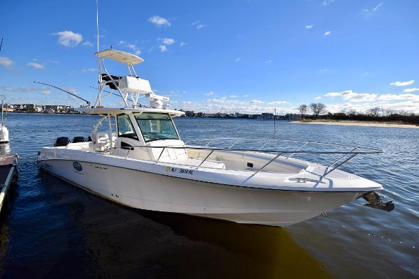 Boston Whaler 370 Outrage 2014 Boston Whaler 370 Outrage