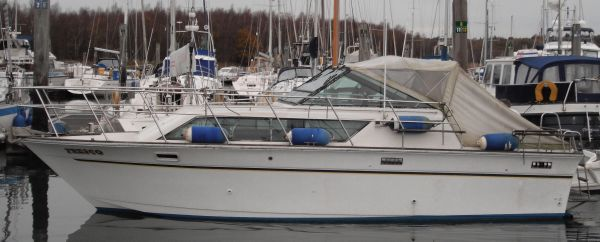 Slickcraft 28 Express Cruiser Silkcraft 28