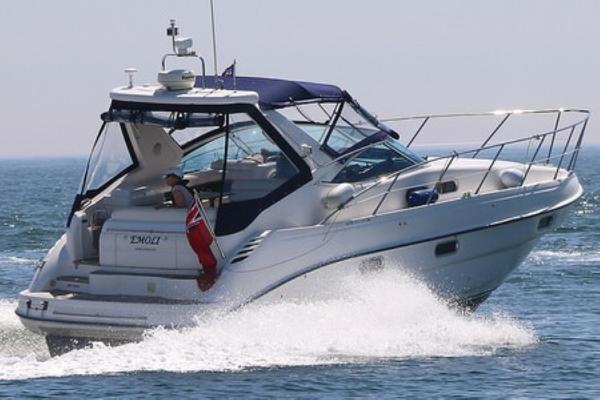 Sealine S34 Underway in Poole Bay