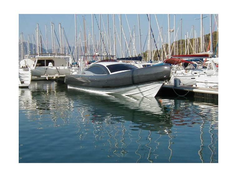 Interceptor speed boat  45