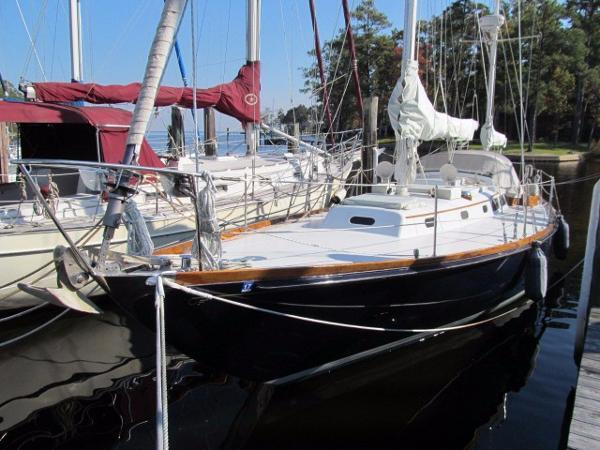 Hinckley Bermuda 40 Profile