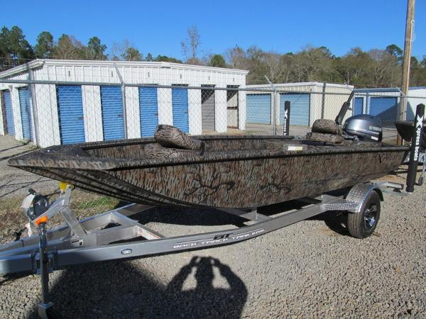 Xpress Boats HD16DBX