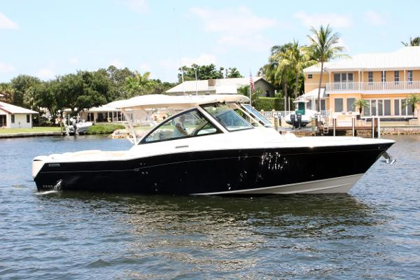 Grady-White Freedom 375 Starboard Profile