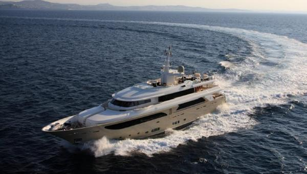 CRN 43M Superyacht CRN43m-Main profile