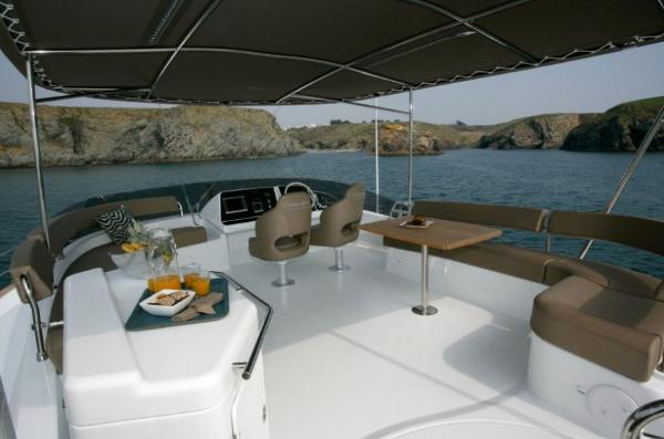 Fountaine Pajot Cumberland 47 LC Flybridge
