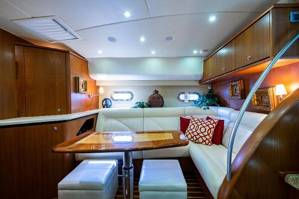 Tiara Yachts Sovran Salon