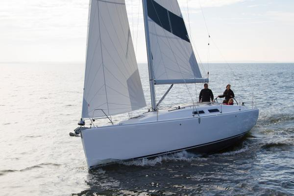 Varianta 37 Manufacturer Provided Image: Manufacturer Provided Image: Varianta 37 Sailing