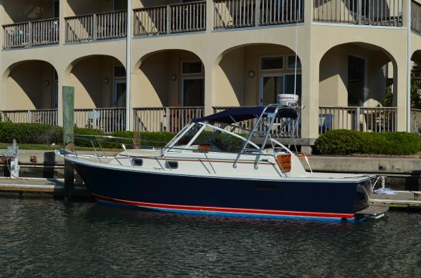 Hunt Yachts Limestone  28 Express 29 Surfhunter