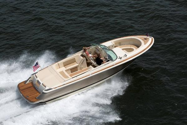 Chris-Craft Launch 28 Chris Craft Launch 28 - birdview