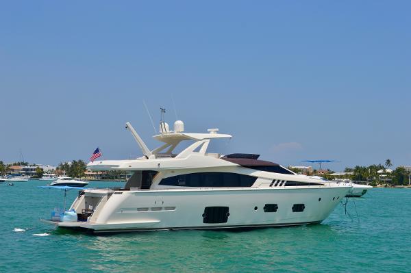 Ferretti Yachts 800 Aft-Stbd