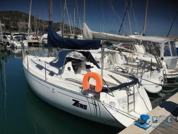 Dufour Yachts 30 Classic 1