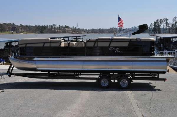 Encore Boat Builders Bentley Elite 250