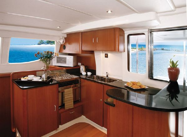 Moorings M474PC Galley