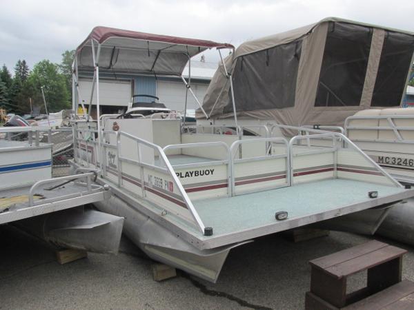 Playbuoy Yachtsman - 23'