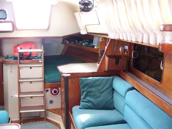 Port Salon looking aft