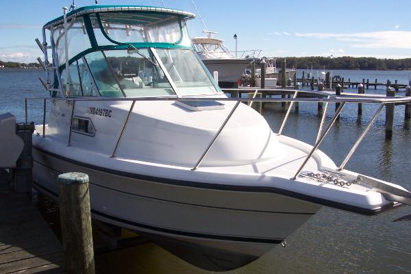 Stamas 270 Express Starboard Bow without Cover