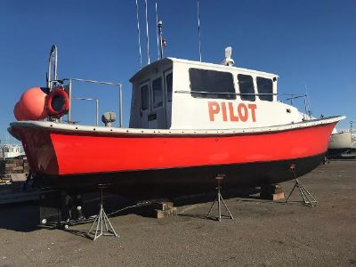 Dyer Commercial Pilot Boat