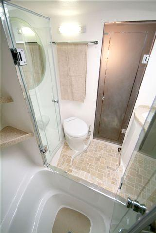 Master Cabin Head and Shower