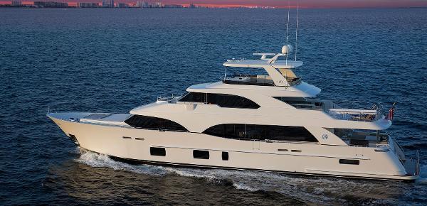 Ocean Alexander 112MY