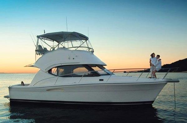 Riviera 33 Flybridge Manufacturer Provided Image: 33 Flybridge