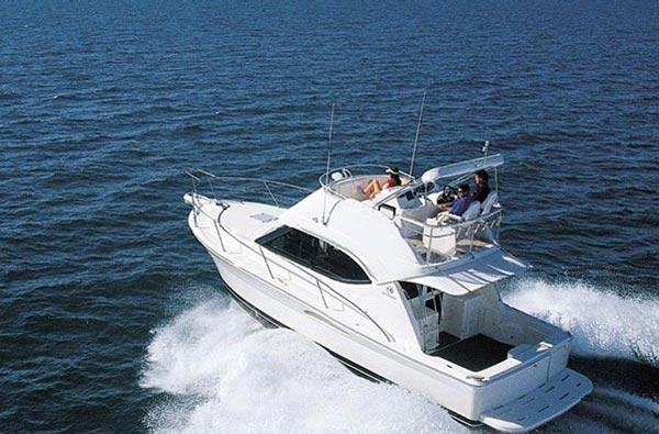 Riviera 33 Flybridge Manufacturer Provided Image: Above