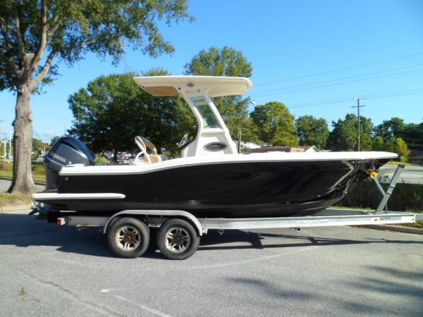 Scout 225 Xsf STARBOARD ON TRAILER