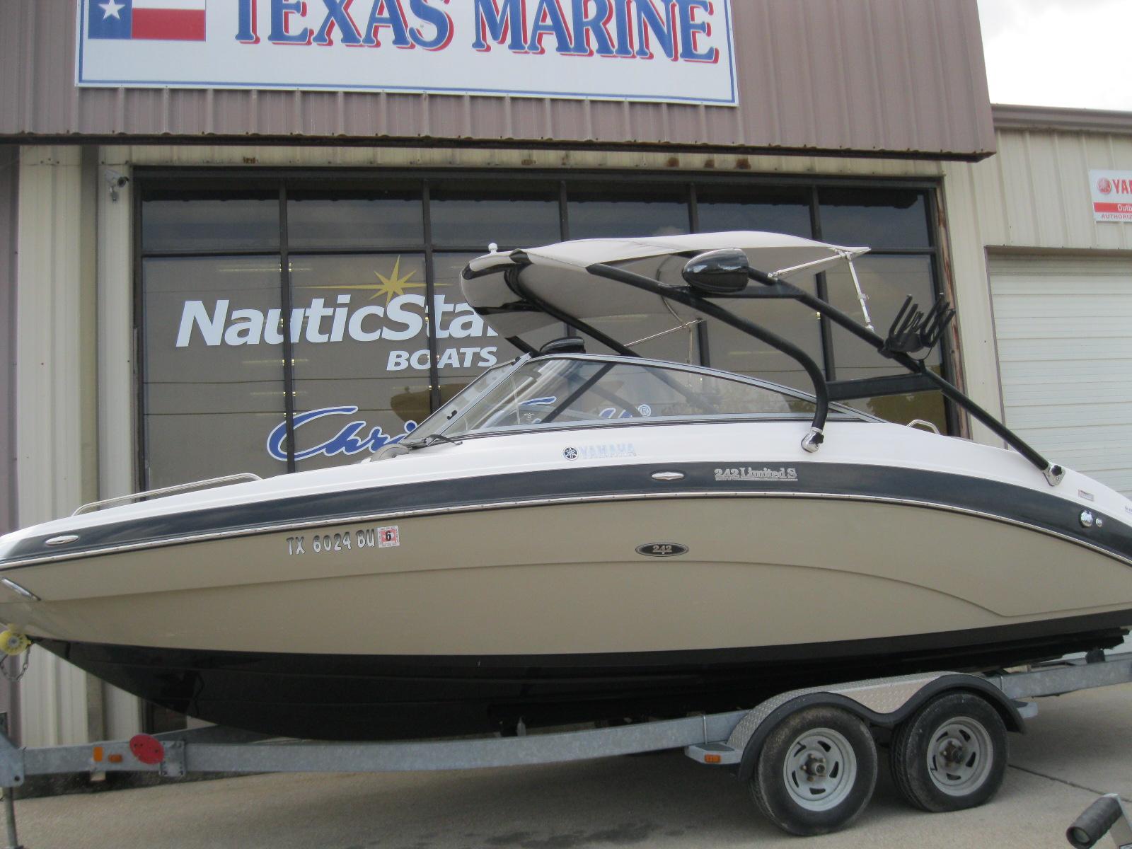 Yamaha Boats 242 S LTD