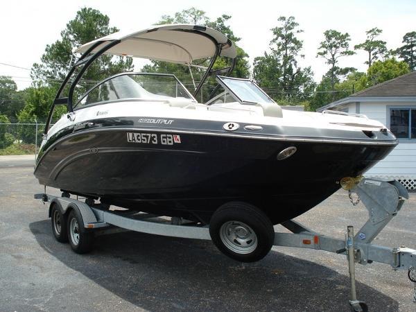 Yamaha Boats 24FT 242 Limited S