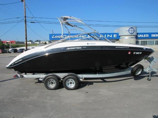Yamaha Boats 24FT AR240 High Output
