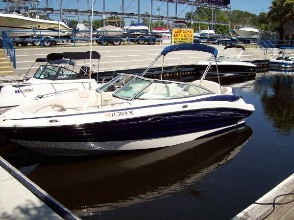 Azure 238 Deck Boat Bowrider