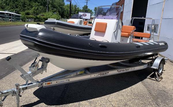 Brig Navigator Adventurer 610 - In Stock 2019 BRIG Navigator 610 - Bow view