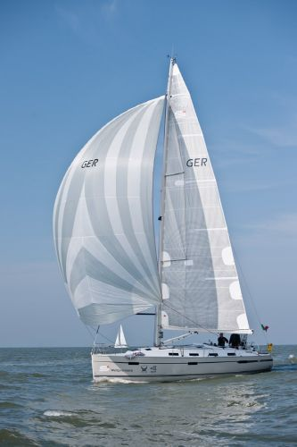 Bavaria 40S Cruiser Sails