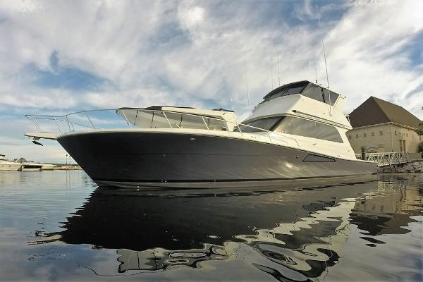 Viking 58 Enclosed Bridge Profile