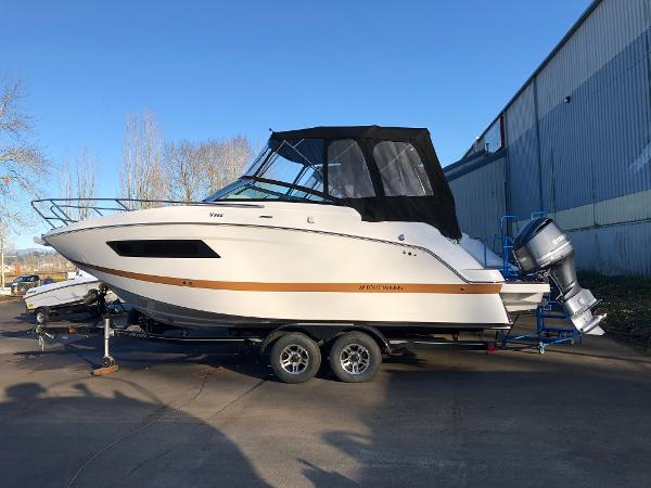 Four Winns 255 Vista Outboard