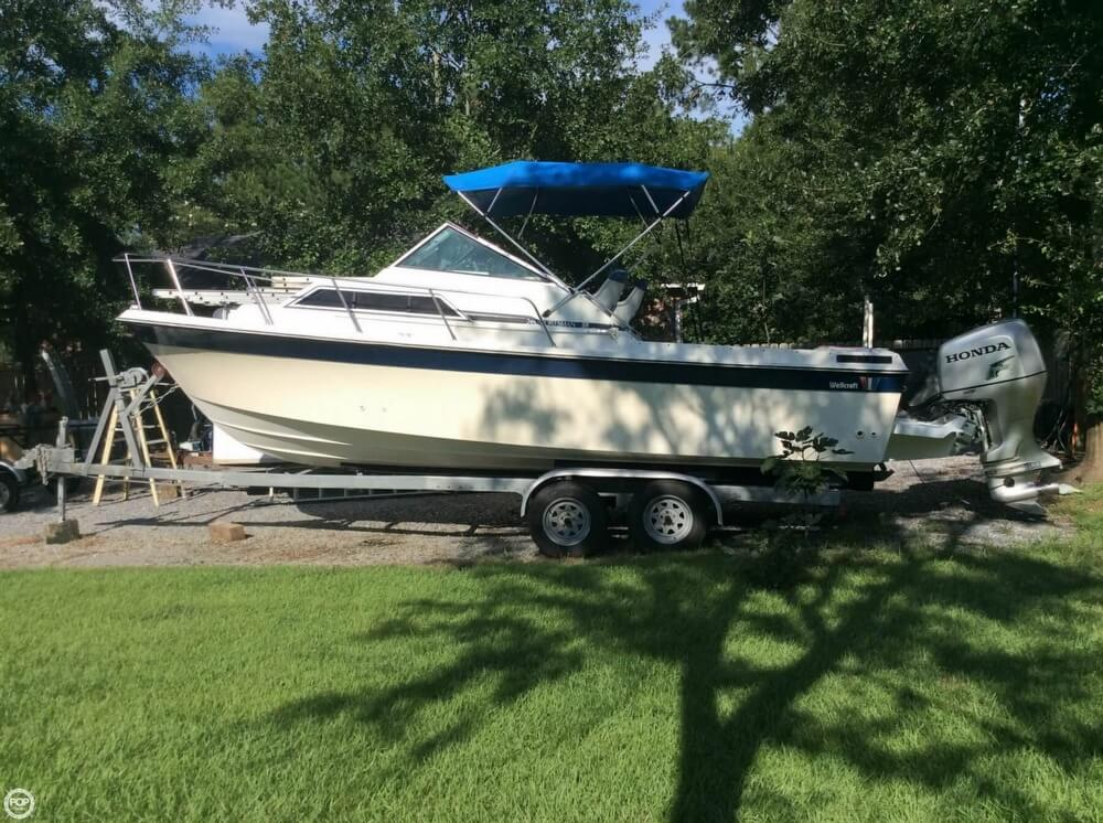 Wellcraft Sportsman 248 1984 Wellcraft 248 Sportsman for sale in Pass Christian, MS
