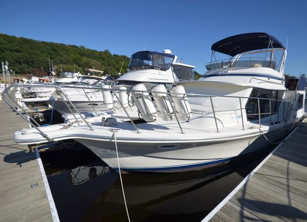 Bluewater Yachts 42 Coastal
