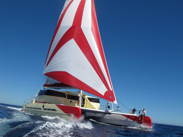 FOUNTAINE PAJOT CUSTOM TAITI 83