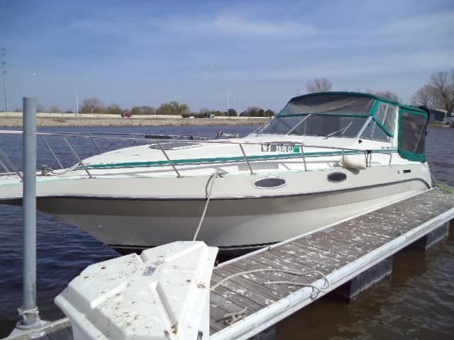Cruisers Yachts ROGUE 3060
