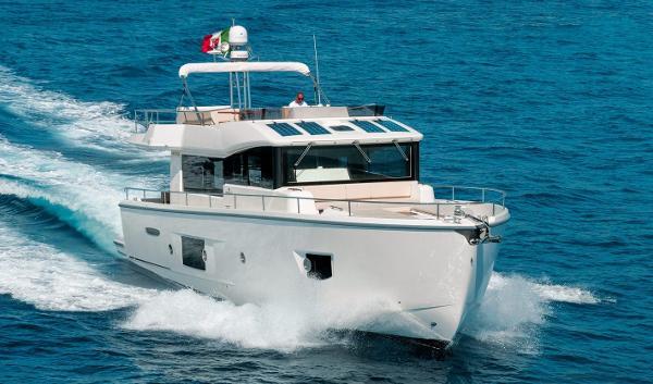 Cranchi ECO Trawler 53 Cranchi ECO Trawler 53 (sistership)