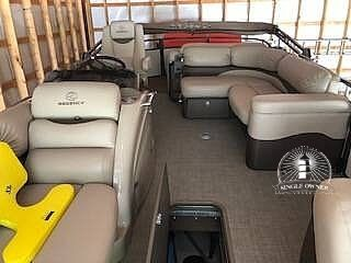 Sun Tracker Regency 254 LE3 2016 Sun Tracker Regency 254 LE3 for sale in Warsaw, MO