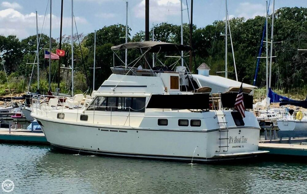 Carver 3607 Aft Cabin Motoryacht 1982 Carver 3607 Aft Cabin for sale in Grapevine, TX