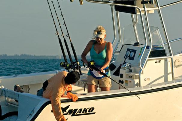 Experience the excitement aboard the MAKO 212 Center Console.