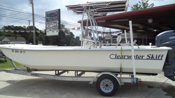 Clearwater 210 DLSV Skiff