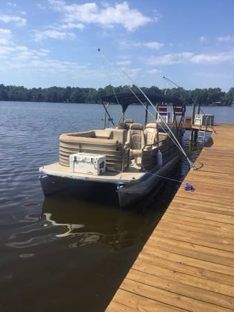 Sanpan SP2500LE 2007 Godfrey Pontoon 25 for sale in Fort Mccoy, FL