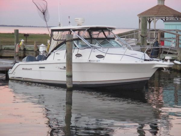 Wellcraft 290 Coastal Starboard Bow