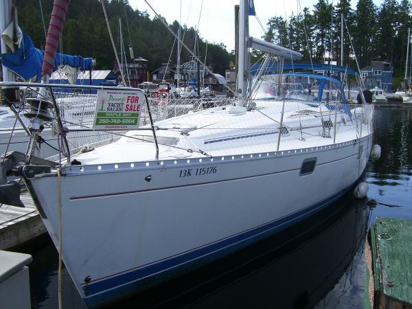 Beneteau Oceanis 400 Bow