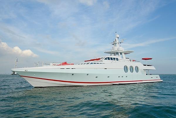 Oceanfast 122 Motoryacht