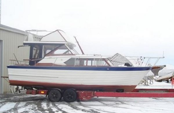 1964 28' Wood Chris Craft Corinthian Express Cruiser Completely restored in 2010