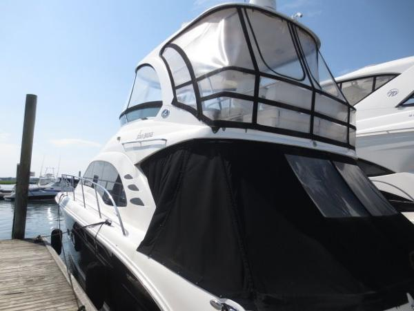 Sea Ray 52 Sedan Bridge