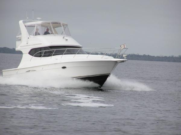 Silverton 34 Convertible Full speed